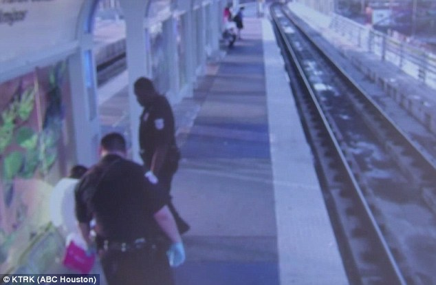 Houston transit police officer accused in beating resigns